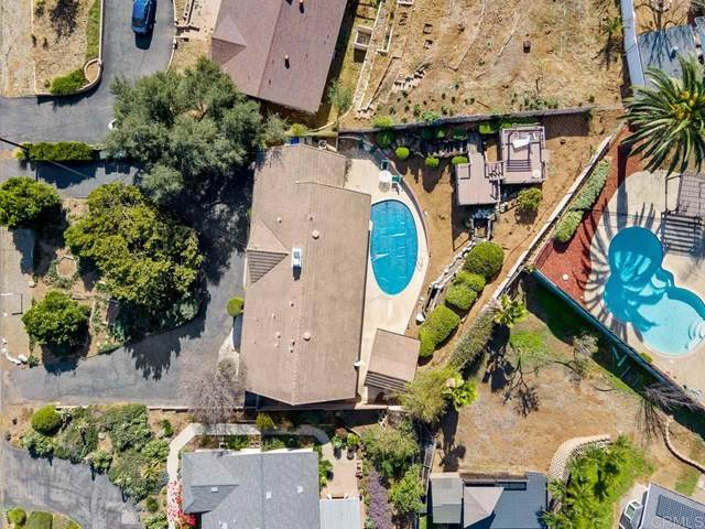 2131 S Juniper Street, Escondido, CA 92025 (#NDP2100809) :: Cal American Realty