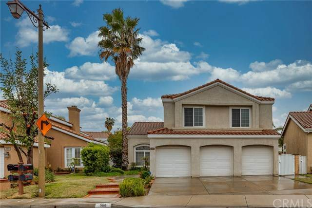 560 S Sunnyhill Way, Anaheim Hills, CA 92808 (#LG21015624) :: Mint Real Estate