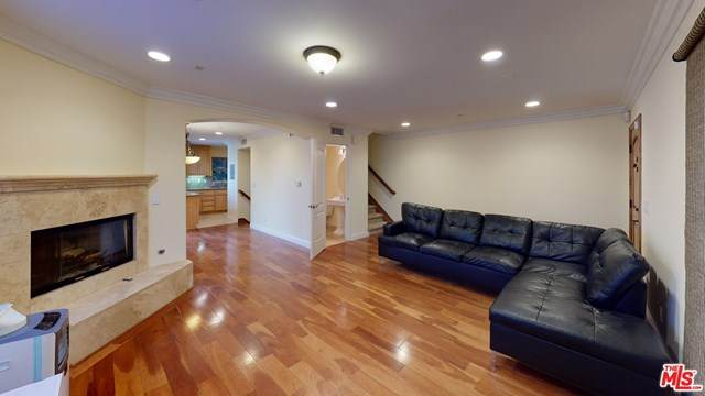 1725 Aviation Boulevard, Redondo Beach, CA 90278 (#21684106) :: Frank Kenny Real Estate Team
