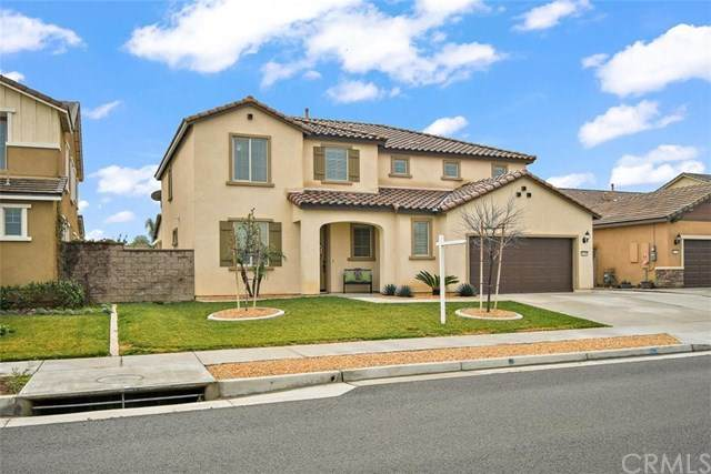 11190 Dane Drive, Jurupa Valley, CA 91752 (#CV21016818) :: RE/MAX Masters