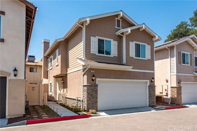 22775 Walnut Park Lane #2, Newhall, CA 91321 (#SR21016945) :: Team Forss Realty Group