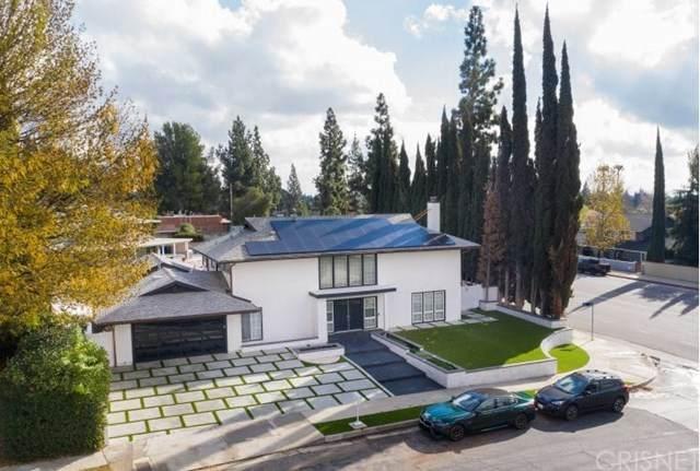 10300 Oso Avenue, Chatsworth, CA 91311 (#SR21017059) :: Mainstreet Realtors®