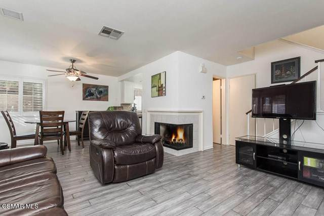 2447 Chandler Avenue #1, Simi Valley, CA 93065 (#221000398) :: A|G Amaya Group Real Estate