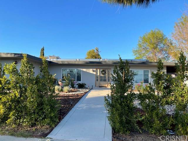 17145 Devonshire Street, Northridge, CA 91325 (#SR21017342) :: Go Gabby