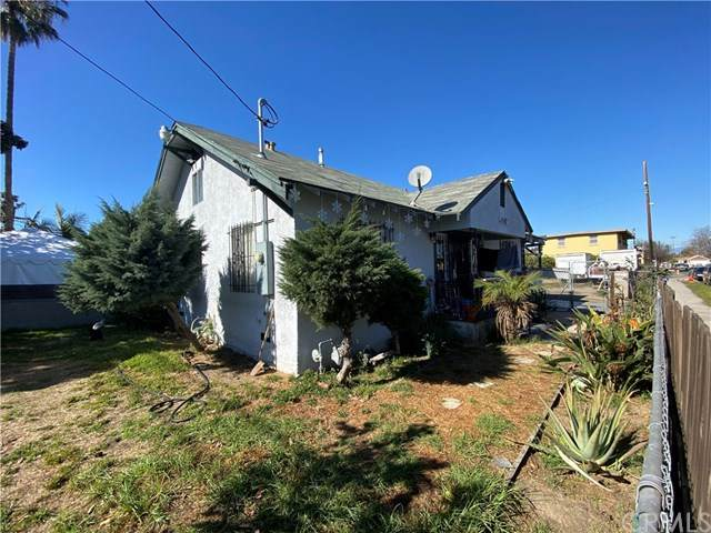 11167 Antwerp Avenue, Los Angeles (City), CA 90059 (#SW21017316) :: The Brad Korb Real Estate Group