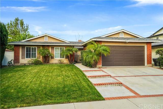 20009 Lakemore Drive, Canyon Country, CA 91351 (#SR21011354) :: Better Homes and Gardens Real Estate Vogler Feigen