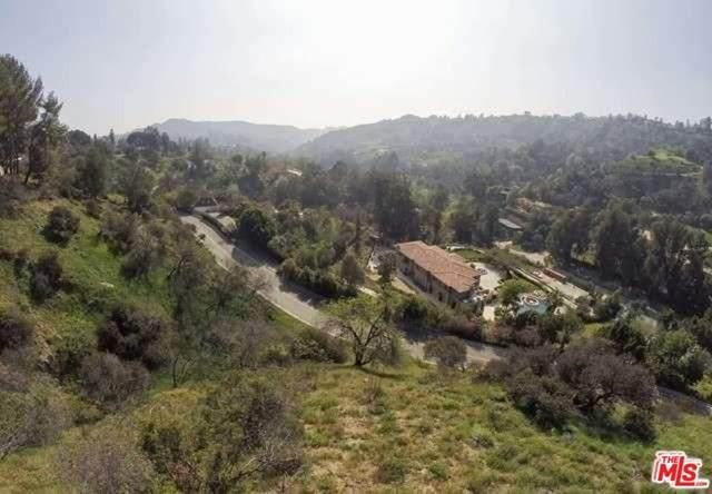 2811 Benedict Canyon Drive - Photo 1