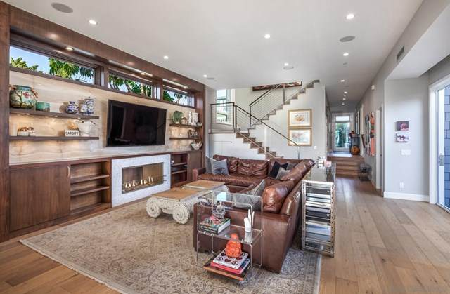 2353 Newport Ave, Cardiff By The Sea, CA 92007 (#210002633) :: Koster & Krew Real Estate Group | Keller Williams