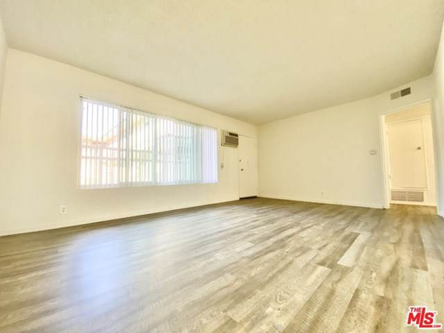 13447 Burbank Boulevard - Photo 1