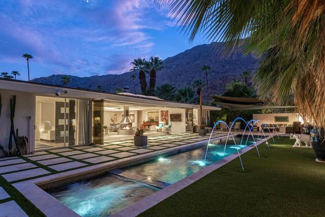 580 W Panga Way, Palm Springs, CA 92262 (#219056899PS) :: Veronica Encinas Team