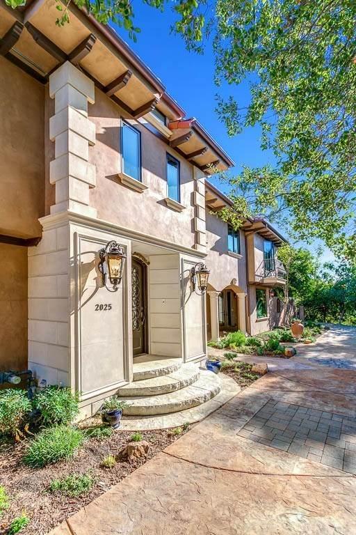 2025 Braeburn Road, Altadena, CA 91001 (#PF21025865) :: Mainstreet Realtors®