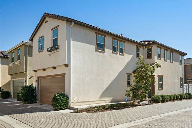 17326 Parque Vanowen Way, Lake Balboa, CA 91406 (#SR21026641) :: Veronica Encinas Team
