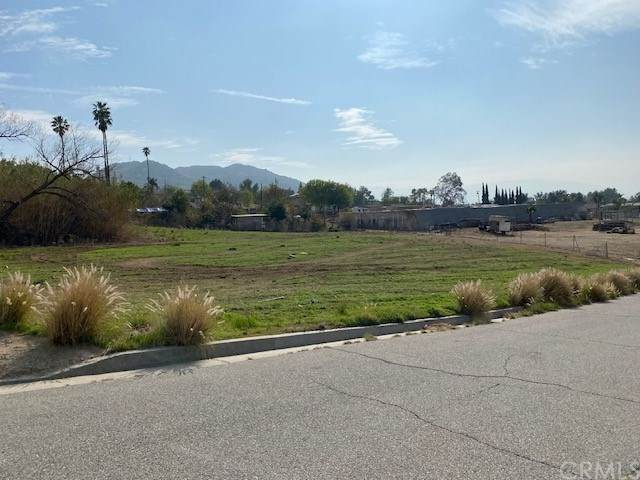 110 ,130 Buckskin Lane, Norco, CA 92860 (#IV21029027) :: Realty ONE Group Empire