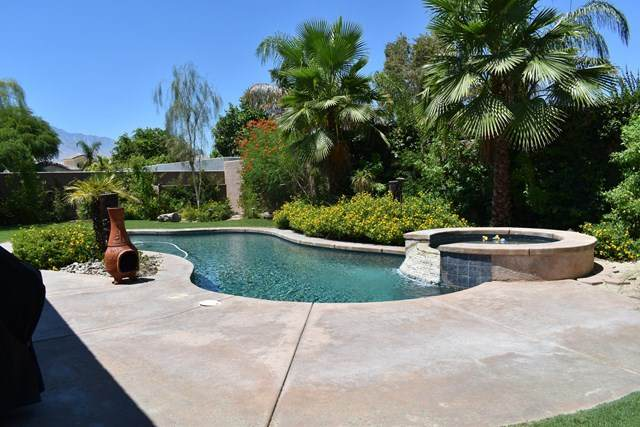 32 Calais Circle, Rancho Mirage, CA 92270 (#219057358DA) :: Power Real Estate Group
