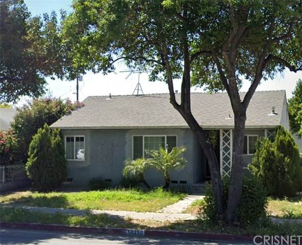 18250 Vanowen Street, Reseda, CA 91335 (#SR21032680) :: Team Forss Realty Group