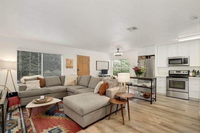 9883 Caminito Bolsa, San Diego, CA 92129 (#210004310) :: American Real Estate List & Sell