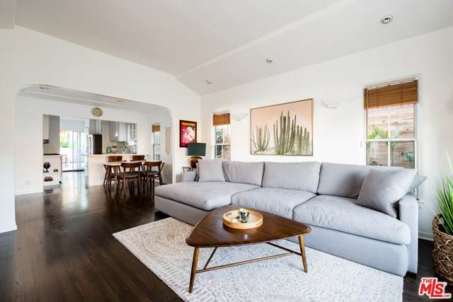 4124 W 59Th Place, Los Angeles (City), CA 90043 (#21685214) :: Rogers Realty Group/Berkshire Hathaway HomeServices California Properties