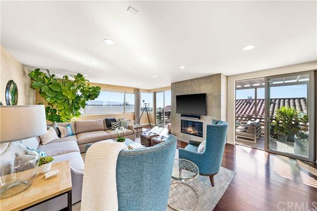 1016 17th Street, Hermosa Beach, CA 90254 (#SB21027455) :: Bathurst Coastal Properties