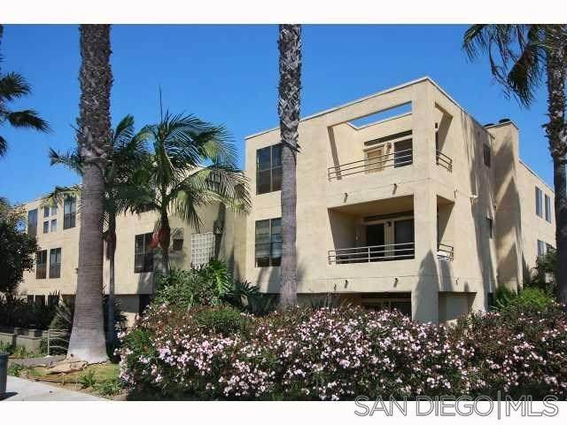 4402 Mentone Street #305, San Diego, CA 92107 (#210004576) :: Jett Real Estate Group
