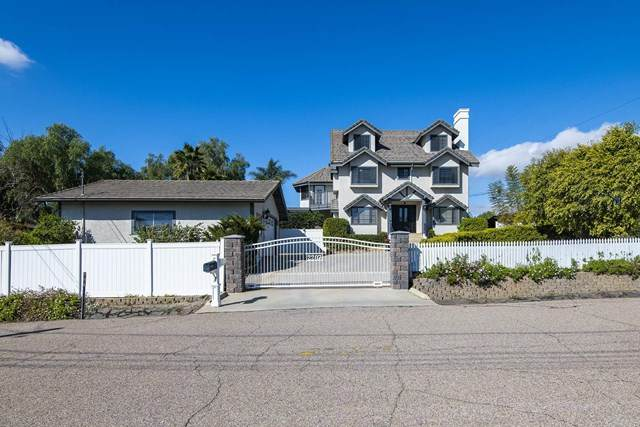 2207 Orange Avenue, Escondido, CA 92029 (#NDP2101918) :: Millman Team