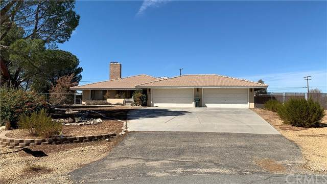 15196 Kinai Road, Apple Valley, CA 92307 (#TR21037966) :: Power Real Estate Group