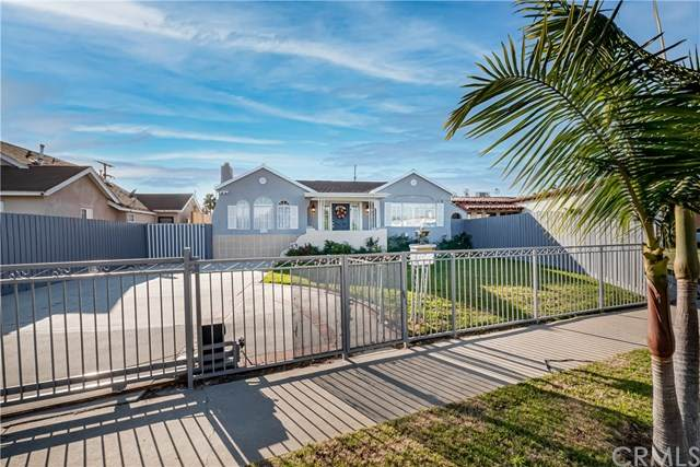 5743 West Boulevard, Los Angeles (City), CA 90043 (#PW21037928) :: Mainstreet Realtors®