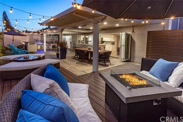 20752 Spindrift Lane, Huntington Beach, CA 92646 (#OC21038375) :: Mainstreet Realtors®