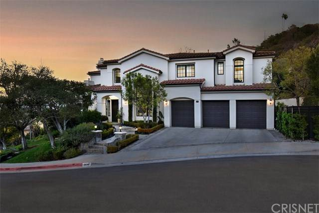 3686 Benedict Canyon Lane, Sherman Oaks, CA 91423 (#SR21037851) :: The Parsons Team