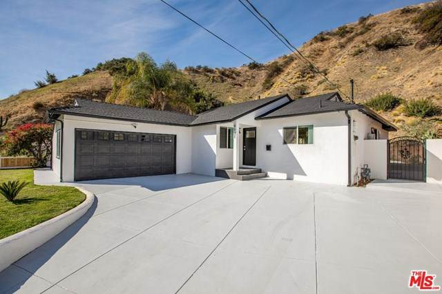 9931 Roscoe Boulevard, Sun Valley, CA 91352 (MLS #21697418) :: Desert Area Homes For Sale
