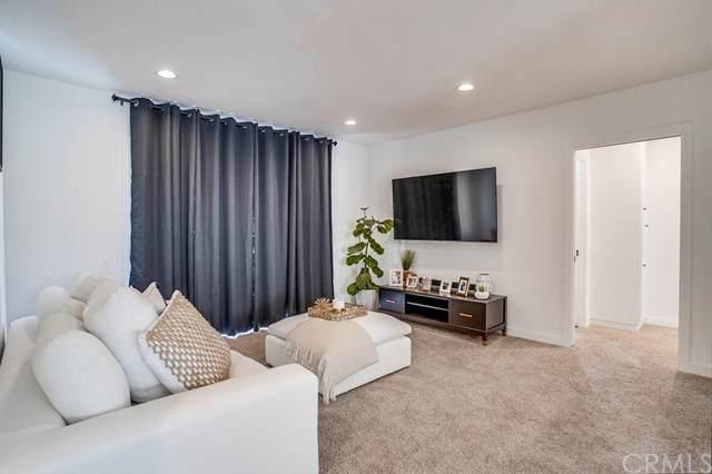 11121 Queensland Street B16, Los Angeles (City), CA 90034 (#RS21037954) :: Millman Team