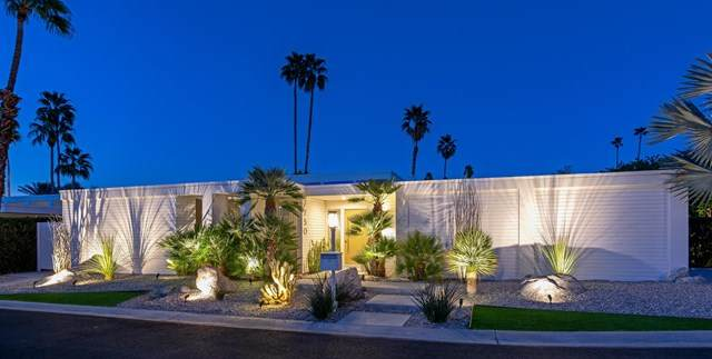 2750 E Kings Road, Palm Springs, CA 92264 (#219057866PS) :: Rogers Realty Group/Berkshire Hathaway HomeServices California Properties