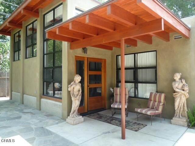 2650 Highview Avenue, Altadena, CA 91001 (#P1-3486) :: Mainstreet Realtors®