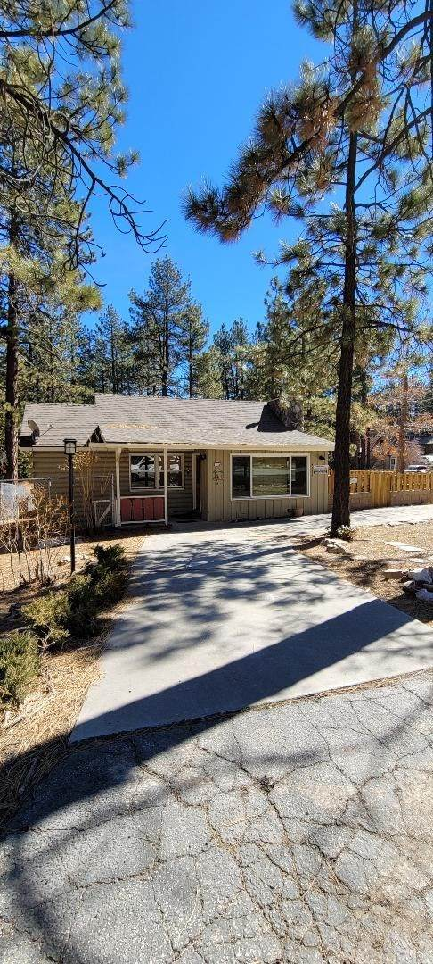 455 Crane Drive, Big Bear, CA 92315 (#CV21039765) :: Power Real Estate Group