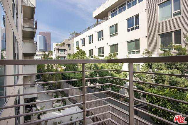 267 S San Pedro Street #319, Los Angeles (City), CA 90012 (#21696886) :: The Miller Group