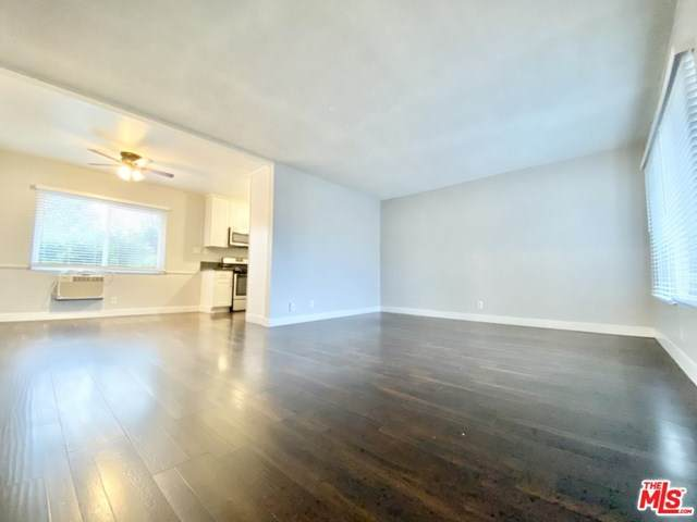 1256 Tamarind Avenue - Photo 1