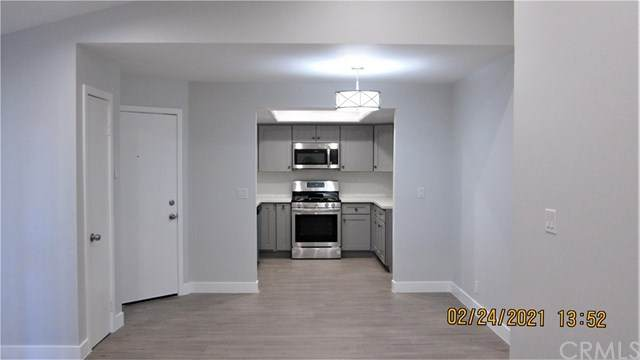 4201 W 5th Street #302, Santa Ana, CA 92703 (#PW21039571) :: RE/MAX Empire Properties