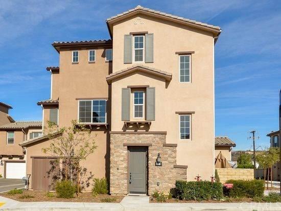 425 Stratus Lane #6, Simi Valley, CA 93065 (#BB21003155) :: Mint Real Estate