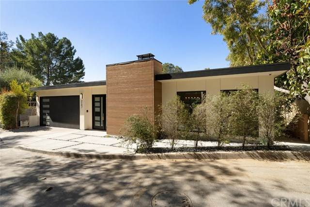3147 Hollridge Drive, Los Angeles (City), CA 90068 (#BB21041162) :: Mint Real Estate