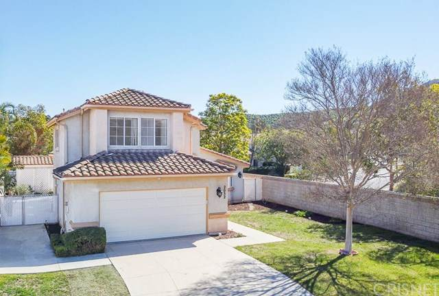 2052 Chenault Place, Simi Valley, CA 93065 (#SR21039936) :: The Ashley Cooper Team