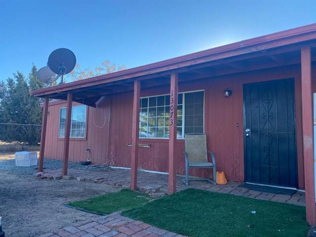 13073 Juniper Lane, Oak Hills, CA 92344 (#532597) :: The Ashley Cooper Team