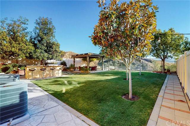 15982 Thompson Ranch Drive, Canyon Country, CA 91387 (#OC21037319) :: Wendy Rich-Soto and Associates