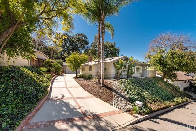 15540 Woodcrest Drive, Sherman Oaks, CA 91403 (#SR21042149) :: The Parsons Team