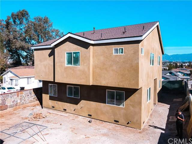 2833 6th Street, Los Angeles (City), CA 90023 (#PW21043023) :: The Alvarado Brothers