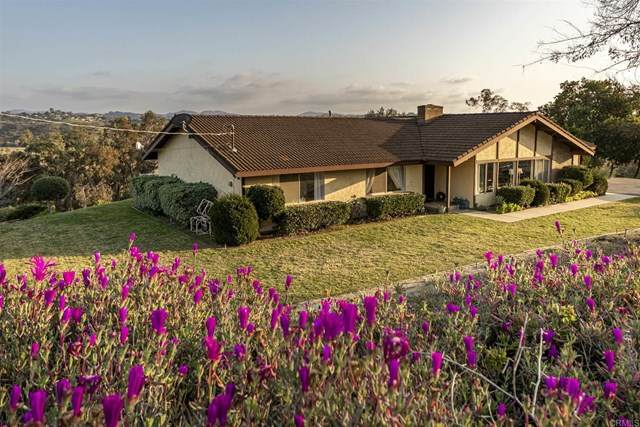 4711 Calle De La Vuelta, Fallbrook, CA 92028 (#NDP2102242) :: American Real Estate List & Sell