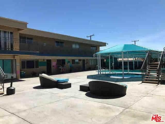 11220 Palm Drive, Desert Hot Springs, CA 92240 (#21700424) :: Mainstreet Realtors®
