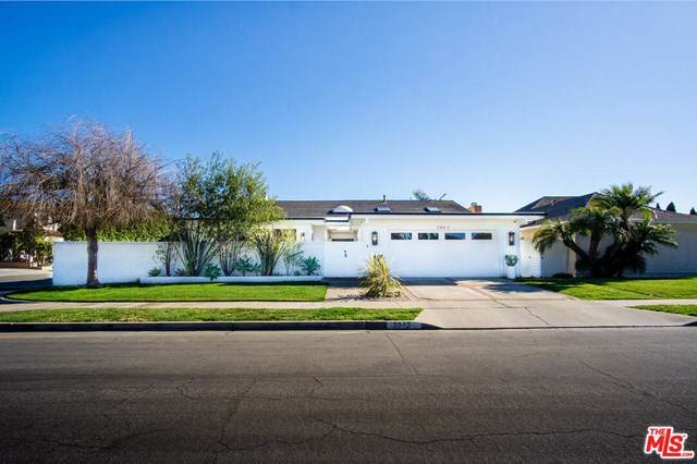 3942 Kitten Circle, Huntington Beach, CA 92649 (#21699954) :: Power Real Estate Group