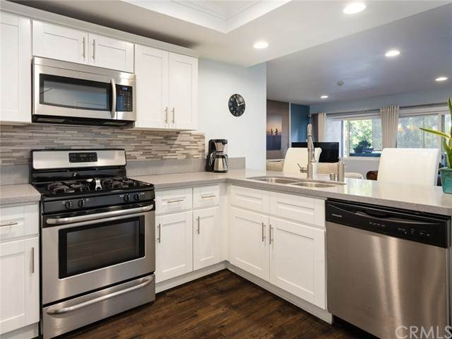 1112 Beryl Street #5, Redondo Beach, CA 90277 (#SB21024506) :: Bathurst Coastal Properties