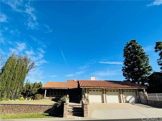 10715 Equestrian Drive, North Tustin, CA 92705 (#PW21044359) :: The Kohler Group