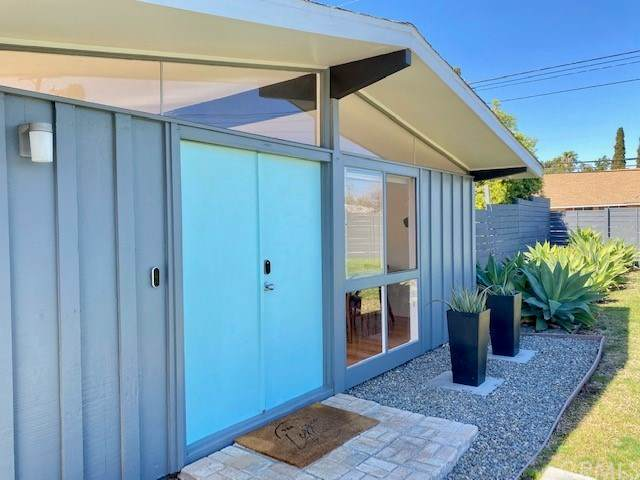1502 Garland Avenue, Tustin, CA 92780 (#PW21045904) :: Berkshire Hathaway HomeServices California Properties