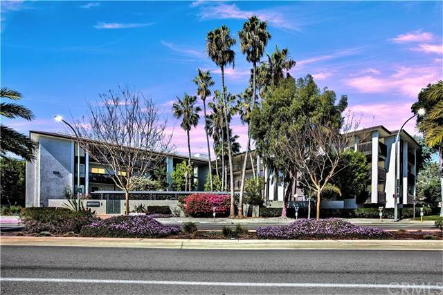 447 Herondo Street #104, Hermosa Beach, CA 90254 (#SB21035988) :: The Alvarado Brothers
